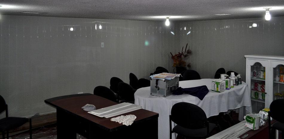 Recubrimiento de pared blanco acanalado brillante kevo - Recubrimiento para paredes ...